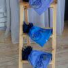 Шапка синего цвета с мехом енота от Wisteria 2